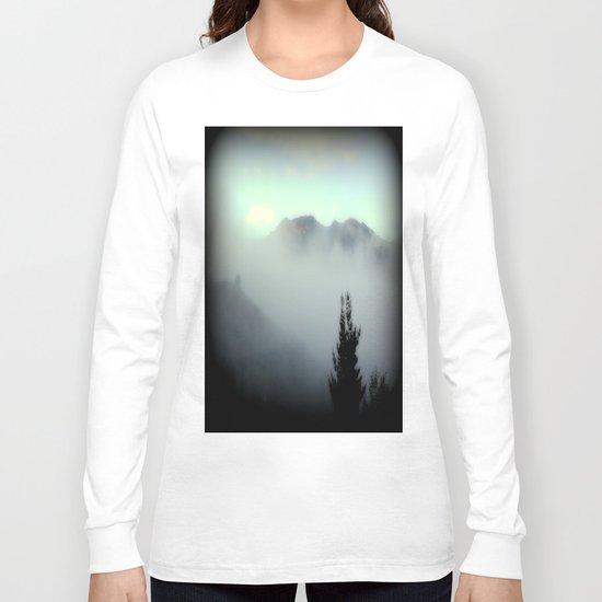 Fog surrounding Cradle Top Mountain - Tasmania Long Sleeve T-shirt