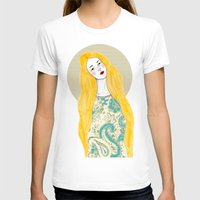 jessica lange T-shirts featuring Jessica by Juana Andres