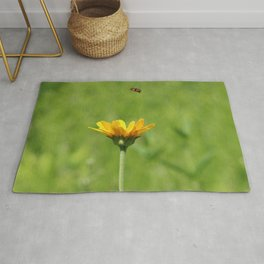 Yellow Flower with Hoovering Bee Rug