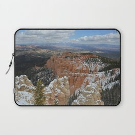 Snow in Bryce Canyon Utah Laptop Sleeve