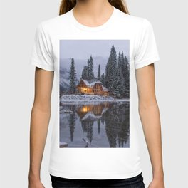 Cabin in Winter Woods (Color) T-shirt