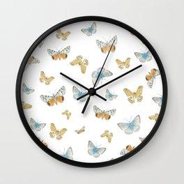 kisses Wall Clock