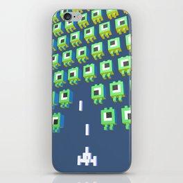 Alien massacre iPhone Skin