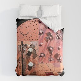 Rusty Circle (Black Background) Comforters