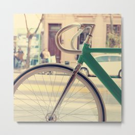 Geen Mint Bicycle in the City (Retro - Vintage Photography) Metal Print