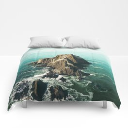 Island green sea Comforters