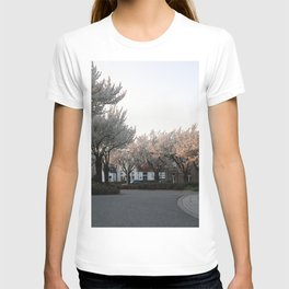 Flower Photography by Veerle Contant T-shirt