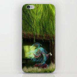 Der Fisch im Fischschuppen iPhone Skin