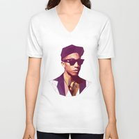 hip hop V-neck T-shirts featuring Hip hop poly by Breno Bitencourt