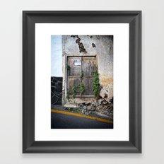 Passage secret Framed Art Print