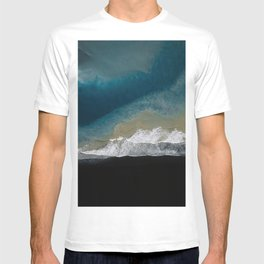 Where the river meets the ocean on a black sand beach in Iceland – Moody Landscape Photography T-shirt