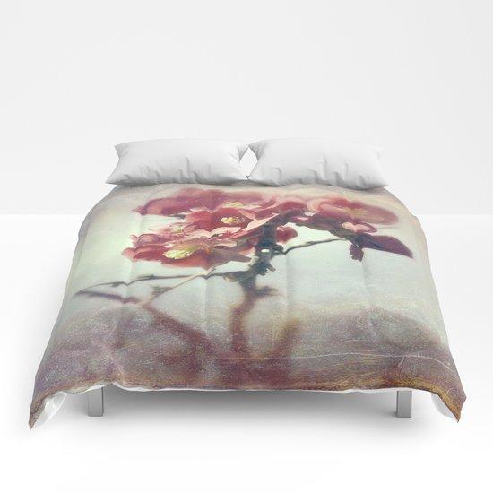 I dreamed a flower garden Comforters