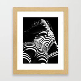 2070-AK Woman Nude Zebra Striped Light Curves around Back Butt Behind Naked Art Gerahmter Kunstdruck