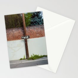 One Way Sign In An Alley Stationery Cards