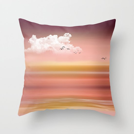 FROM DUSK TO DAWN - a golden sunset Throw Pillow