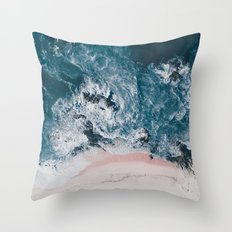 I love the sea - written on the beach Throw Pillow