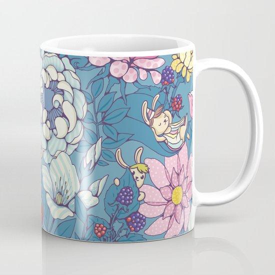 Garden party - lady gray version Mug