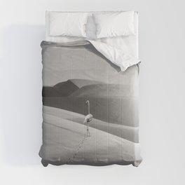 FLAMINGO IN THE DESERT Comforters