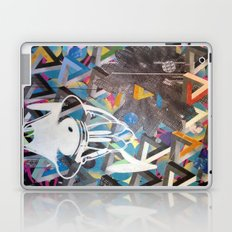 CLIFF HANGER Laptop & iPad Skin