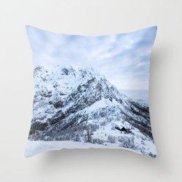 Winter wonderland explorer Throw Pillow