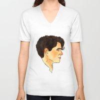ezra koenig V-neck T-shirts featuring Ezra Koenig / Vampire Weekend by Kat Schneider