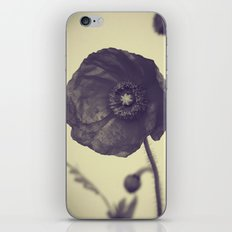 Nature in Black and White -- Poppy -- Botanical iPhone & iPod Skin
