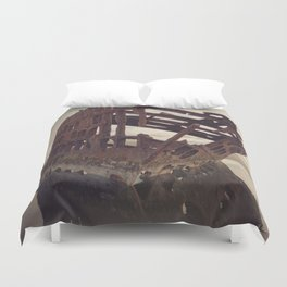 Shipwrecked - The Peter Iredale Duvet Cover
