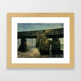 VIEJO MUELLE Framed Art Print