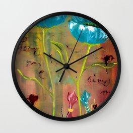 Aime moi Wall Clock