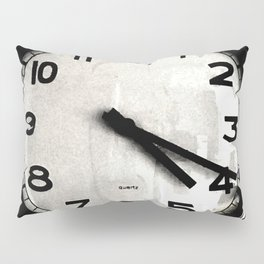 Four Nineteen Clock Pillow Sham