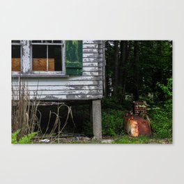 Rusted Tub Canvas Print
