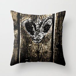 Floorboard alien wasp type thing Throw Pillow