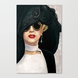 Lady in black & white Canvas Print