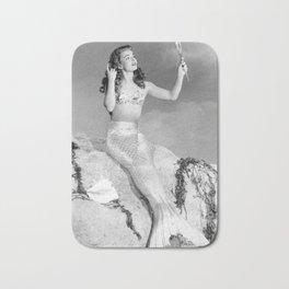 Vintage Mermaid : Mr Peabody & The Mermaid Bath Mat