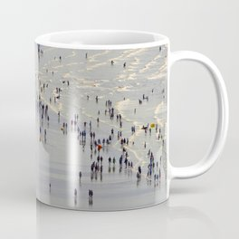 cowded beach pattern Coffee Mug