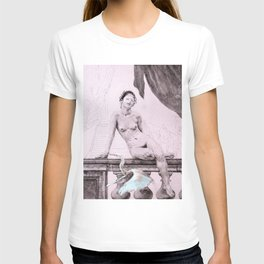 Madame Leda T-shirt