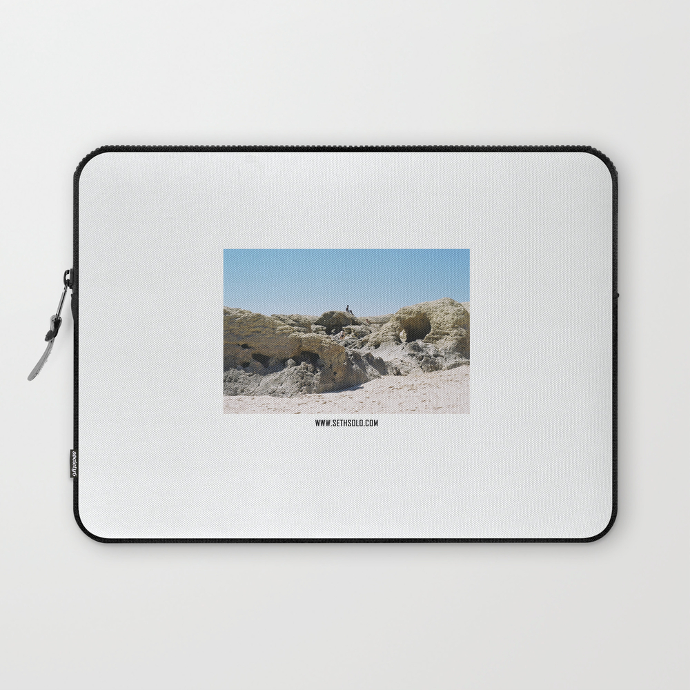 Form On The Wet Sand - Iii Laptop Sleeve LSV923593