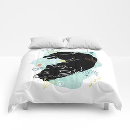 Dreaming wolf illustration Comforters