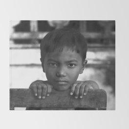 Children eyes of the Vietnamese innocence Throw Blanket