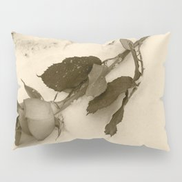 A lone rose resting in the snow Pillow Sham