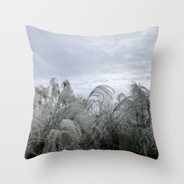 Wisps in the wind Throw Pillow