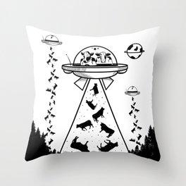 Alien cow abduction Throw Pillow