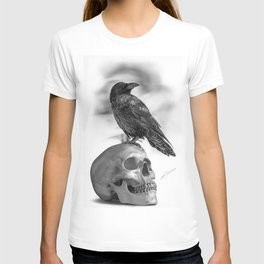 The Raven and The Skull - By Julio Lucas T-shirt