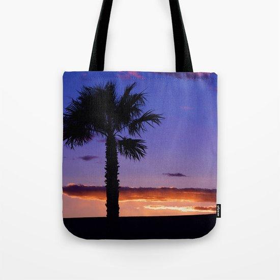 Palm Sunset - V Tote Bag