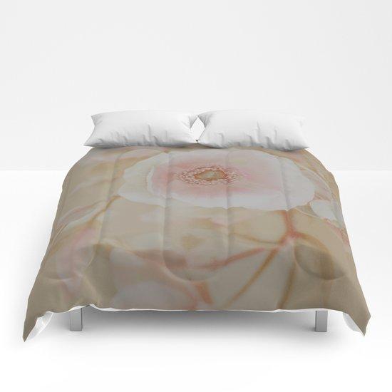 Vintage Anemone. Comforters