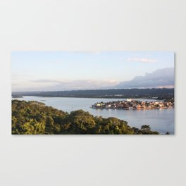 Isla Flores Canvas Print