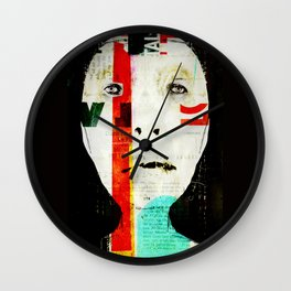 « résistance » Wall Clock