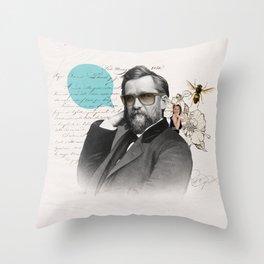 Galã Nouveau Throw Pillow