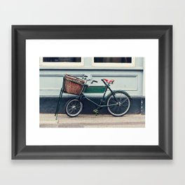verde Framed Art Print
