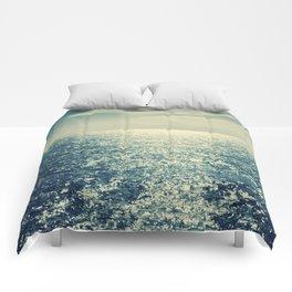 Sea horizon 2 Comforters